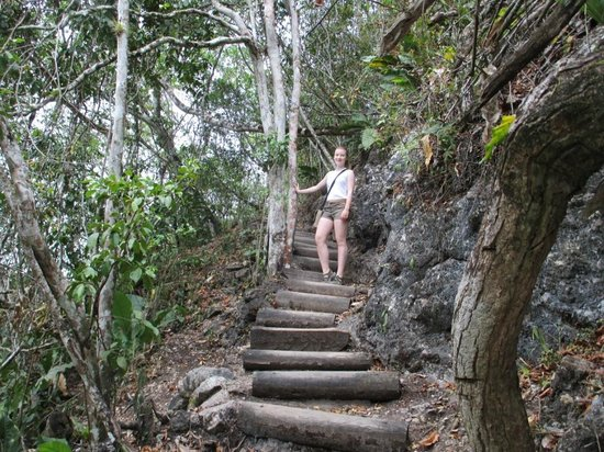The Lodge at Chaa Creek: trail from camp to resort