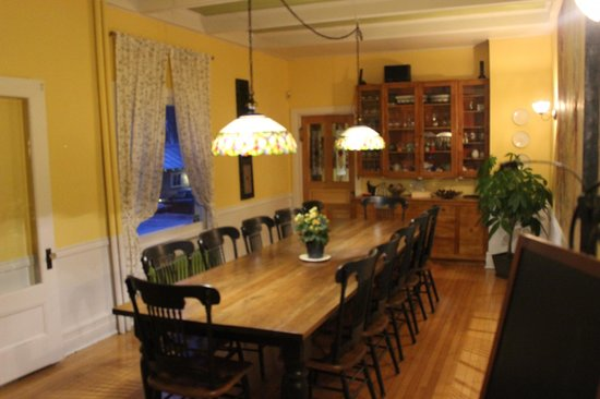 Au Clos Rolland, Couette & Cafe: The dinning room