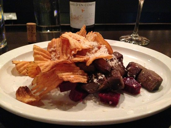 Black Market : Beef tongue with potato chips and grated aged cheese