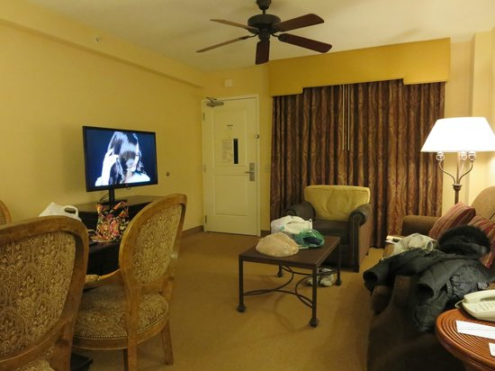 Embassy Suites by Hilton La Quinta Hotel & Spa: Living Room