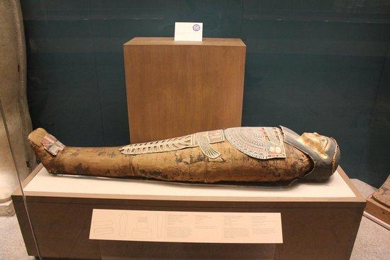 The Metropolitan Museum of Art: múmia