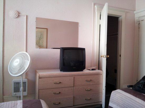 SF Plaza Hotel: tele