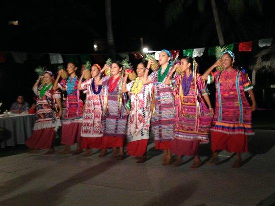 Camino Real Zaashila: Evento especial guelaguetza