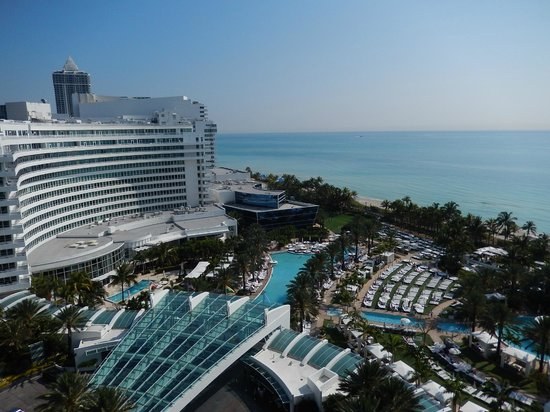 Fontainebleau Miami Beach: Hotel view