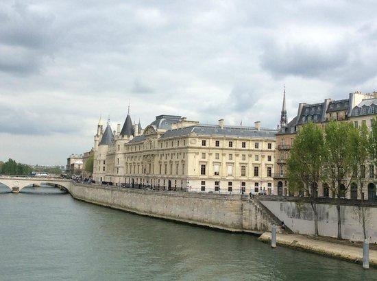 Île de la Cité : The Concergerie