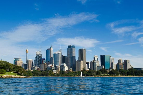 Ocean Extreme: the view of Sydney from the boat