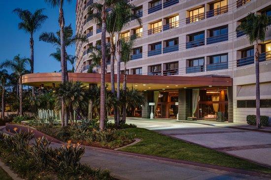 Marina del Rey Marriott: Hotel Entrance