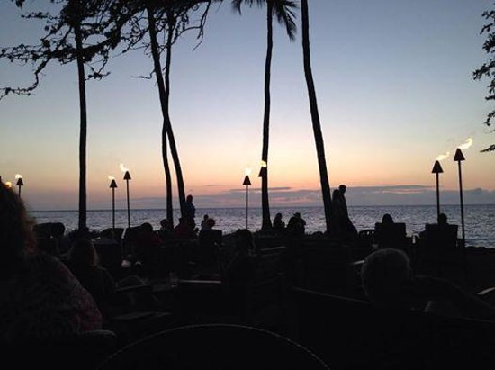Lava Lava Beach Club: dusk settles on lavalava