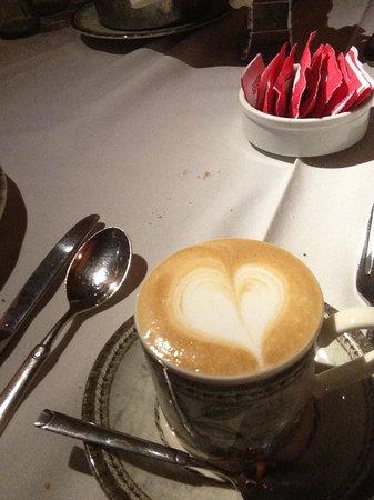 Stag El Resto de Charming : un café muy especial después de cenar