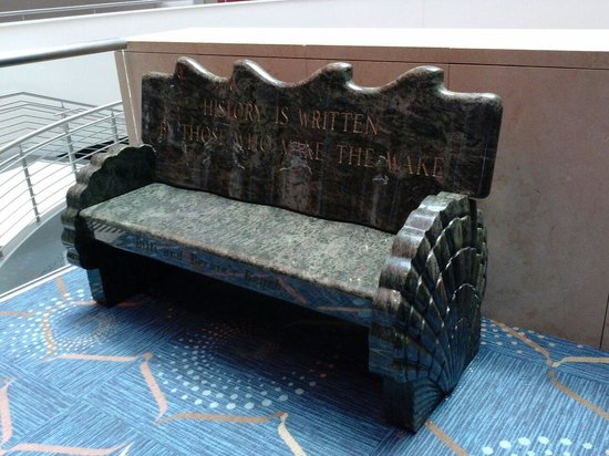 Georgia Aquarium : The Bernie Marcus bench with a message inscribed for all to read. Bernie & Home Depot built the
