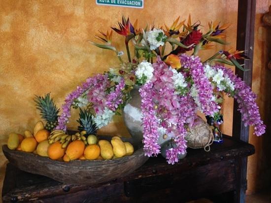 Maria Jimenez Restaurante Mexicano: gorgeous arrangement and excellent food