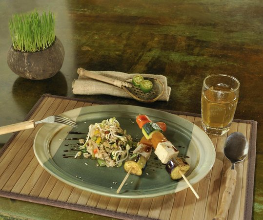 The Farm at San Benito: ALIVE! Cuisine - Vegetable Teriyaki and Fried Rice