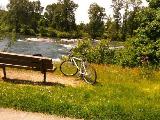 Eugene, Oregón: along the river trail
