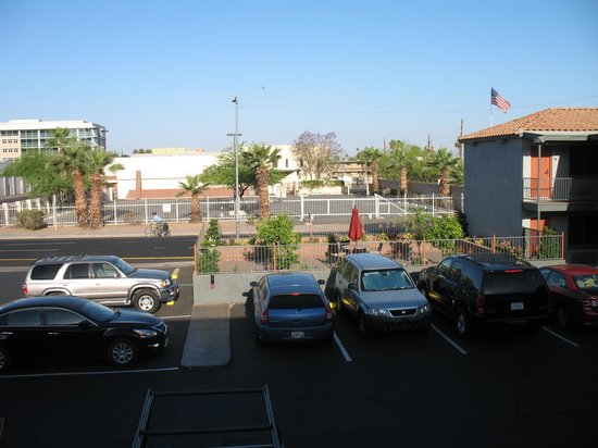 Americas Best Value Inn - Downtown Phoenix: Another second floor photo.