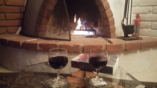 Desert Trails Bed and Breakfast: bring your own wine and enjoy the peace and quiet