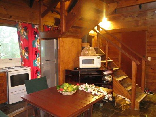 Sokala Villas: kitchen area