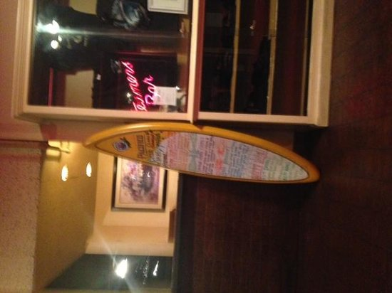 Bay Front Inn: restaurant on the pier