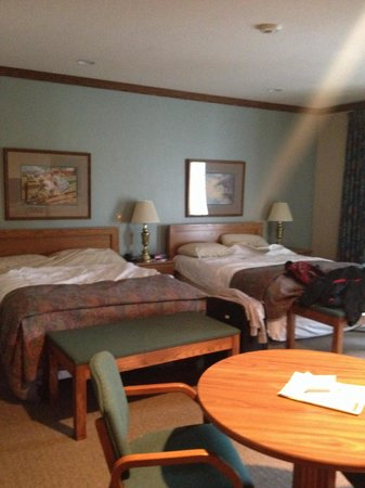Sauder Heritage Inn : Big rooms