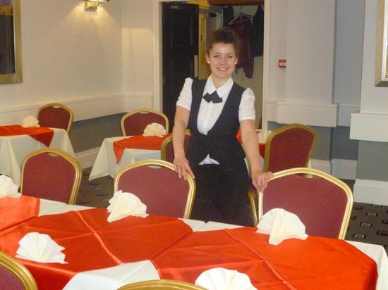The Royal Boston Hotel : Big smiles from friendly staff in the dining room