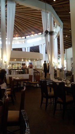 The Crown Villas at Lifestyle Holidays Vacation Resort: Lunch