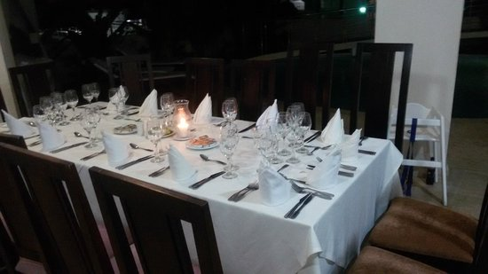 The Crown Villas at Lifestyle Holidays Vacation Resort: The dinner table at the villa set for BBQ night