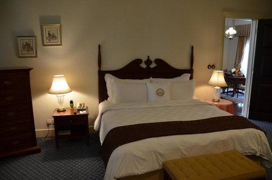 Hotel Majapahit Surabaya managed by AccorHotels: Spacious rooms in Suite