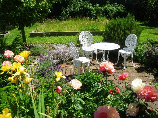 The Saddlery Garden