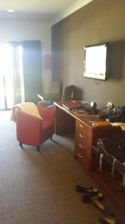 Bellingen Valley Lodge : Deluxe Suite - Desk Area