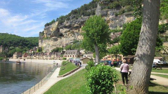 Dordogne Day Tours: La Roque-Gageac