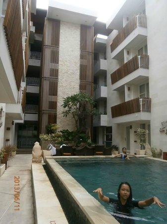 Adhi Jaya Sunset Hotel: quiet surrounding