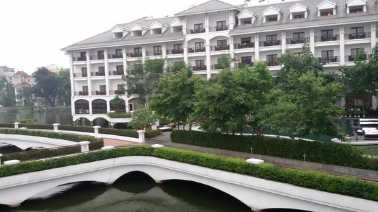 InterContinental Hanoi Westlake : view from balcony