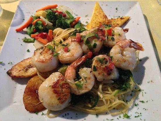 Wacky Wahoo's: shrimp and scallop.  simple, yet amazing!