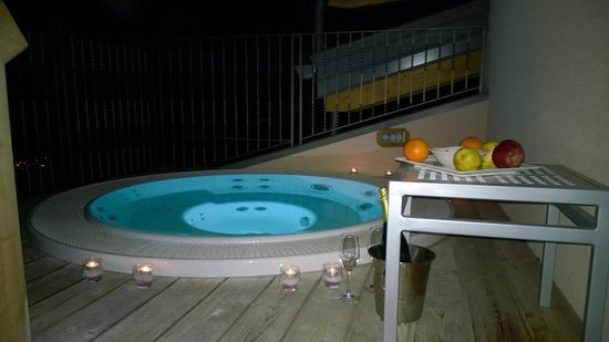 Hotel Luna Bianca: Jacuzzi
