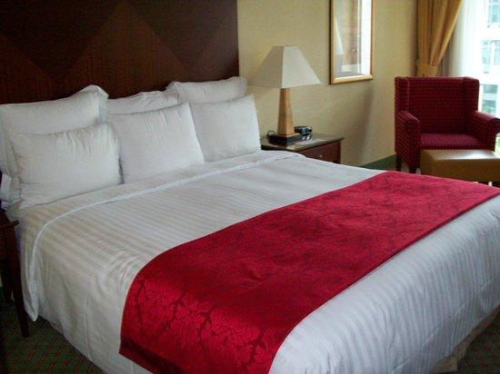 Berlin Marriott Hotel : minha cama