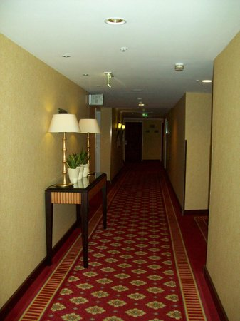 Berlin Marriott Hotel: corredor do meu andar