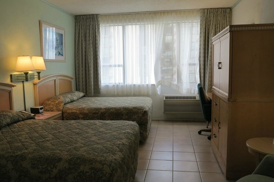 Miami Beach North Plaza Hotel: 2 double beds