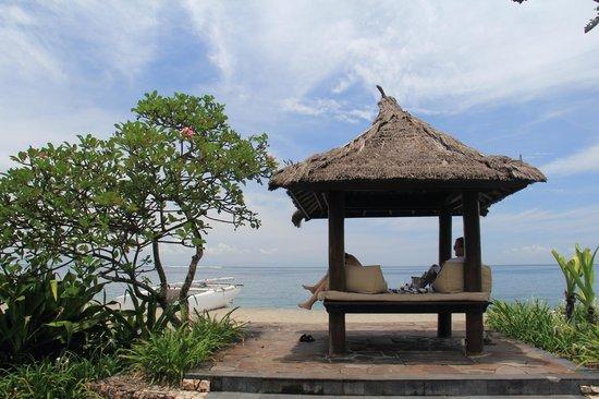 Sheraton Senggigi Beach Resort : Looking out to the ocean