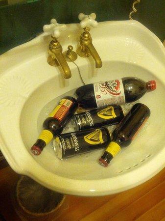1859 Historic National Hotel: Beer bucket.....
