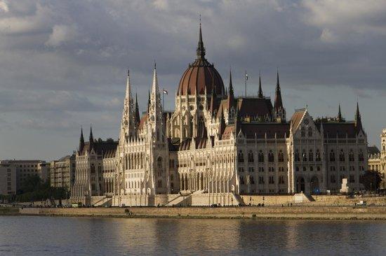 Parlement : Parliament building