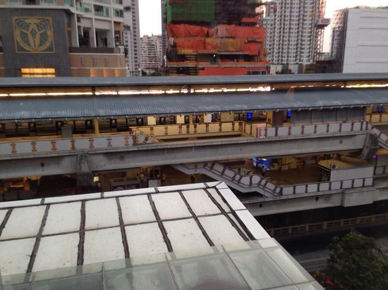I-Residence Hotel Silom : View from our room, Chong Nong Si BTS