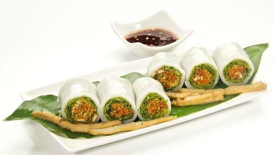 MonViet: A small bite that remind the taste of Vietnam