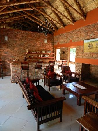 Kutandara Lodge : The Bar