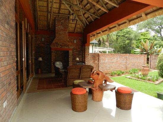 Kutandara Lodge : The Verandah