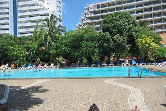 Patong Resort : Garden Pool