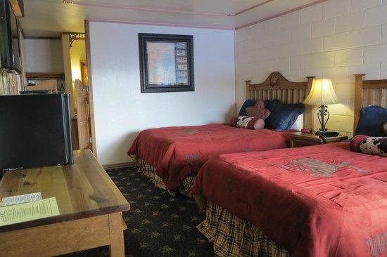 Big Texan Motel: 2 double beds