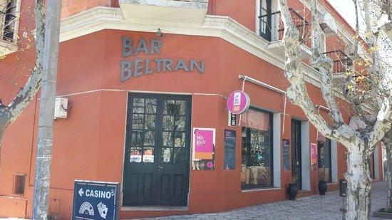 Hotel Beltran: Hotel from Main Street