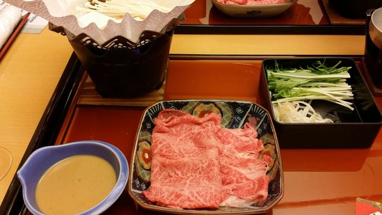 Hoshokaku : hida beef shabu shabu course