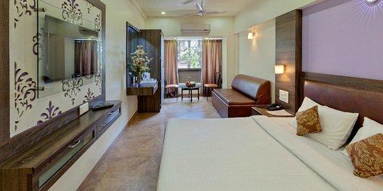 Hotel Shreyas: Classic Room
