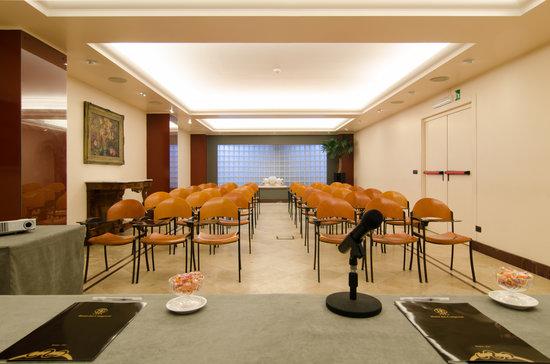 Hotel Dei Congressi: sala della Sfingi