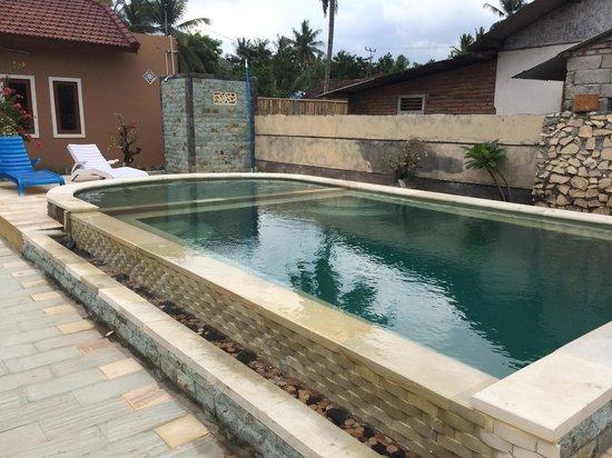 Kuta Bay Homestay: 綺麗なプール